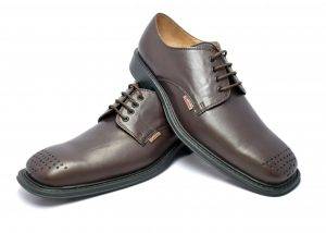 Toe Decorated Derby Shoes for formal wear in Genuine Leather